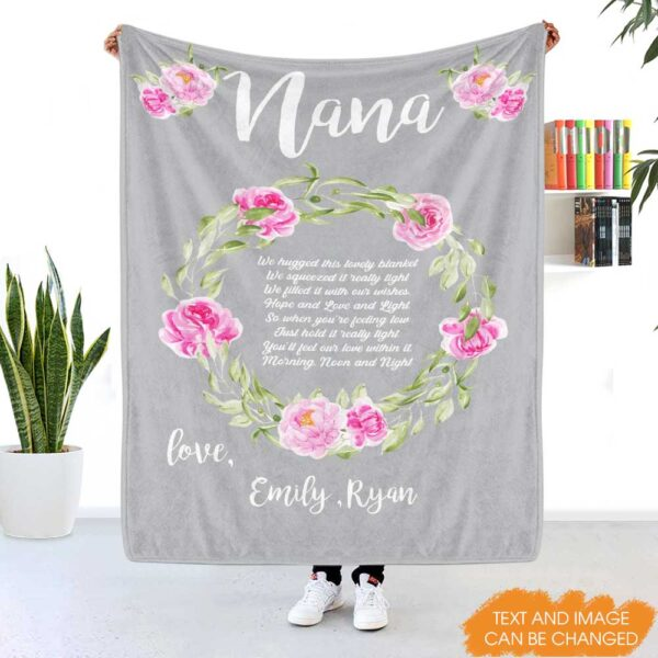 We Hugged This Blanket Grandma Gift Personalized Fleece Blanket 2 YRC0312001